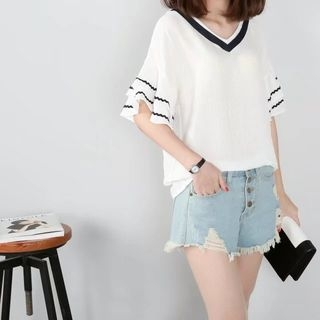 V-neck Short-Sleeve Top 1061336370