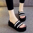 Platform Slide Sandals от YesStyle.com INT
