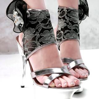 أحذية واكسسوارات ميوشيا برادا خريف \/ شتاء 2012\/2013كعب شوز 2012