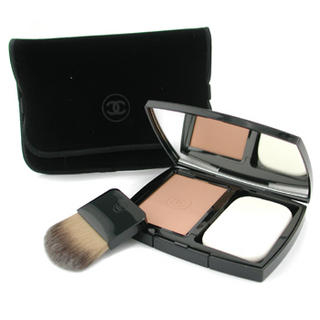 Chanel  Vitalumiere Eclat Comfort Radiance Compact MakeUp SPF 10   BA60 (Beige Ambre 60) 13g0.45oz