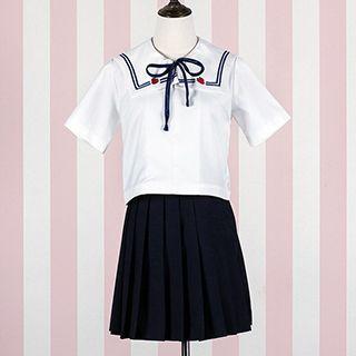 short-sleeve-sailor-collar-top-pleated-skirt