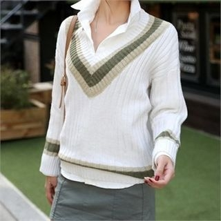 V-Neck Contrast-Trim Ribbed Sweater 1054307014