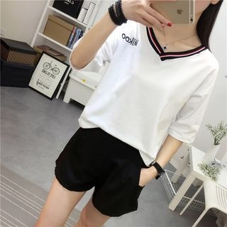 Elbow-Sleeve V-Neck Short-Sleeve T-Shirt 1057372121