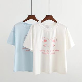 Image of Cat Embroidered Short Sleeve T-Shirt