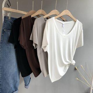 Short-Sleeve V-Neck T-Shirt 1065779467