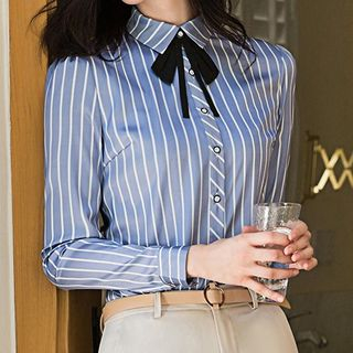 Princess Min Striped Shirt / V-Neck Blouse