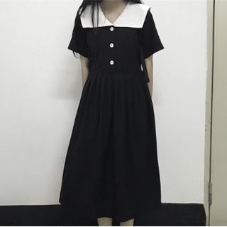 Image of Collared Short-Sleeve Midi A-line Dress Black - One Size