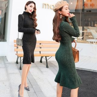 Ribbed Long-Sleeve Knit Dress 1062675736
