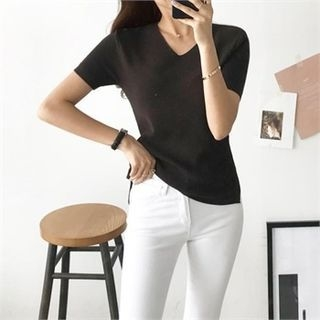 V-Neck Slim-Fit Ribbed Top 1066418890