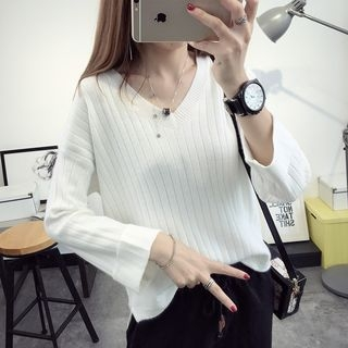 Ribbed V-Neck Sweater 1052770923