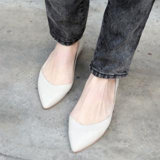 Picture of Drama Pointy Flats 1022221620 (Flat Shoes, Drama Shoes, Korea Shoes, Womens Shoes, Womens Flat Shoes)