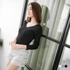 Long-Sleeve V-Neck Ribbed Tee 1596