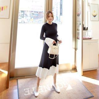 Maternity Color-Block Ribbed Long Dress 1057970120