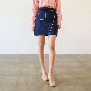 Pocket-Trim Mini Skirt