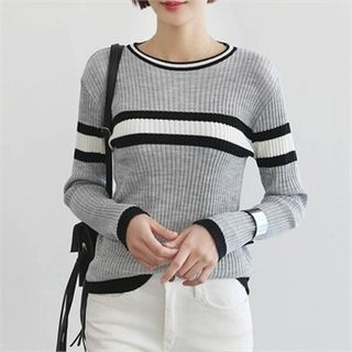 Contrast-Trim Ribbed Knit Top 1057848759