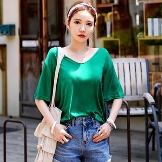 V-Neck Elbow-Sleeve T-Shirt 1060050735