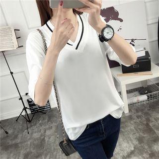 V-Neck Elbow-Sleeve T-Shirt 1057372070