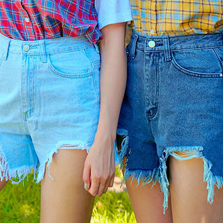 Cutout Distressed Washed Denim Shorts 1060361922