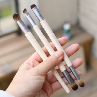 Eye Shadow Makeup Brush 1058224182