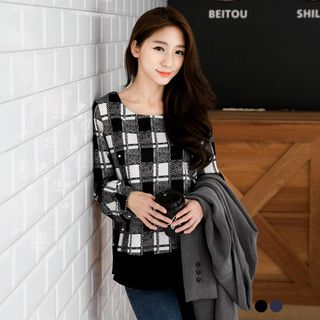 Pearled Plaid Paneled Top 1053109557
