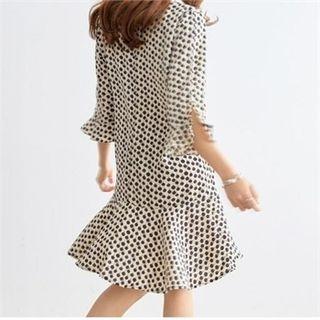 V-Neck Flounced Patterned Shift Dress 1065740168