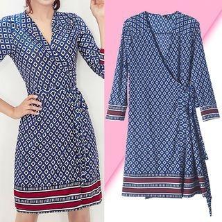 Patterned Tie-Waist Long-Sleeve Dress 1064542732