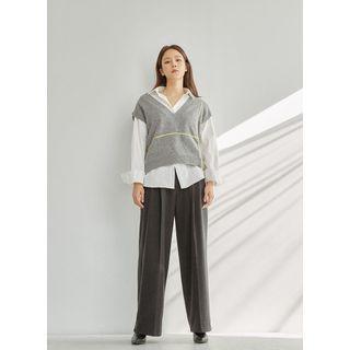 V-neck Sleeveless Knit Top