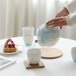 Set: Floral Ceramic Teapot + Cup of 4 1058584118