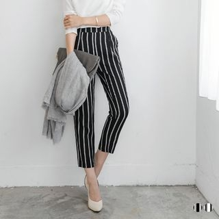Striped Capri Trousers 1053609377