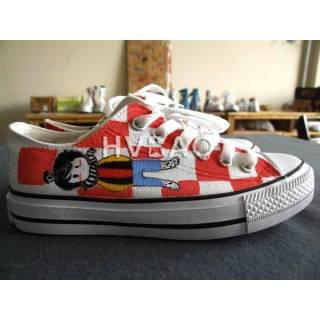 Boy-and-Checkboard Pattern Canvas Sneakers