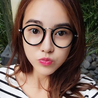 Round Glasses 1056924616