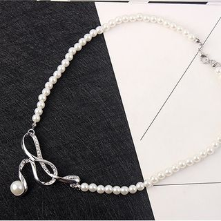 Faux Pearl Necklace 1066917867