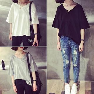 V-neck Elbow-Sleeve T-shirt 1060185436