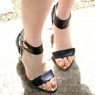 Buy Drama Strap Sandals 1022818915