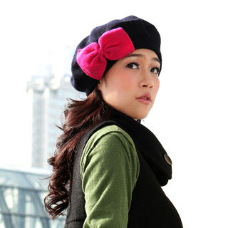 Picture of 19th Street Bow-Accent Wool Beret 1021819717 (19th Street Apparel, Womens Hats & Scarves, China Apparel, China Hats & Scarves)