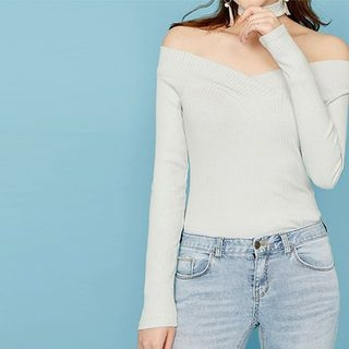 V-Neck Ribbed Top with Choker 1049690069