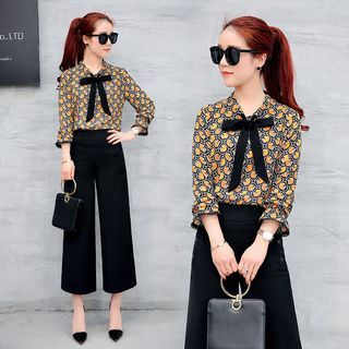 Set: 3/4-Sleeve Floral Blouse + Cropped Wide Leg Pants 1057915741