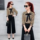 Set: 3/4-Sleeve Floral Blouse + Cropped Wide Leg Pants 1596