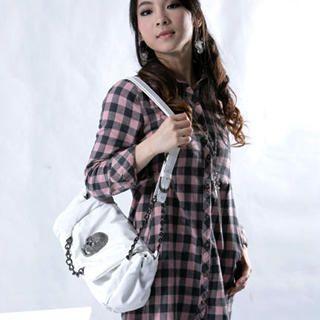 Buy Smoothie Skull Chain-Detail Flap Shoulder Bag 1022543317