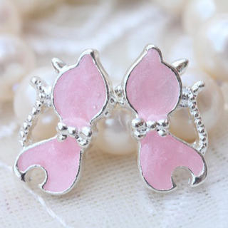 Bow-Tie Little Cat Earrings -Pink