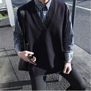 Image of Plain V-Neck Knit Vest