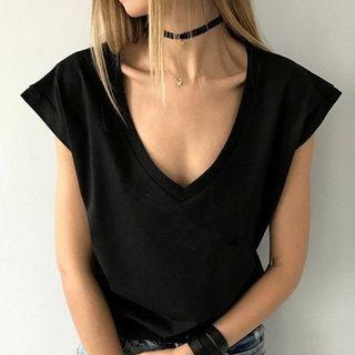 V-Neck Short-Sleeve T-Shirt 1061240442