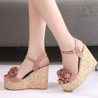 Flower Accent Wedge Sandals 1596