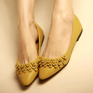 Picture of Kvoll Studded Petal Flats 1022453412 (Flat Shoes, Kvoll Shoes, China Shoes, Womens Shoes, Womens Flat Shoes)