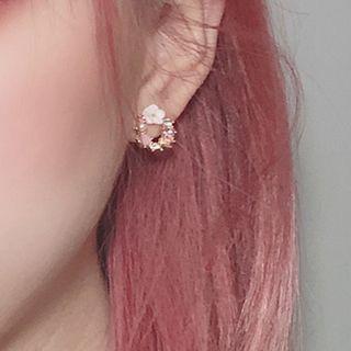 Rhinestone | Earring | Flower | White | Hoop | Size | One