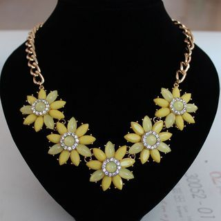 Rhinestone Flower Statement Necklace 1056232591