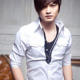 -Length Sleeve Pinstriped Shirt