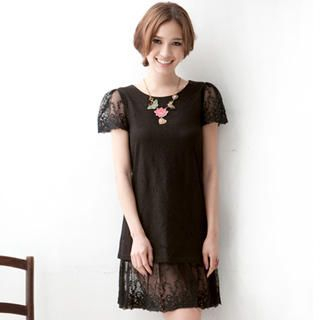 BLACK CAP SLEEVE FLORAL EYELET TWO TIER DRESS