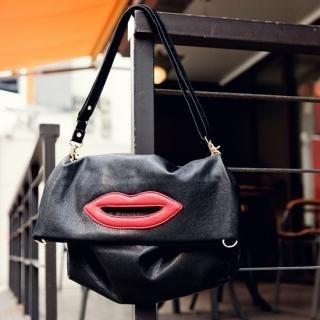 Buy pinkdiamond Lip Appliqu  Faux Leather Shoulder Bag 1022884111