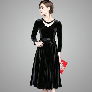 Long-Sleeve Tie-Waist Dress 1063759733